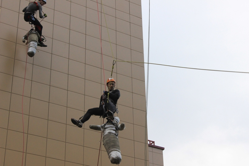 Работа промышленным альпинистом сша