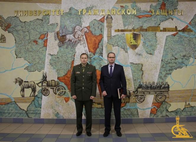 Председатель Высшей аттестационной комиссии Беларуси посетил университет МЧС