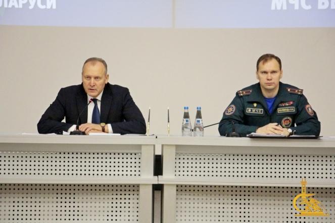 Владимир Ващенко встретился с коллективом УГЗ