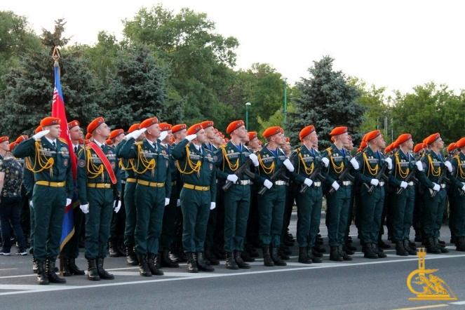 Курсанты и лицеисты МЧС приняли участие в параде в честь Дня Независимости Беларуси (видео)